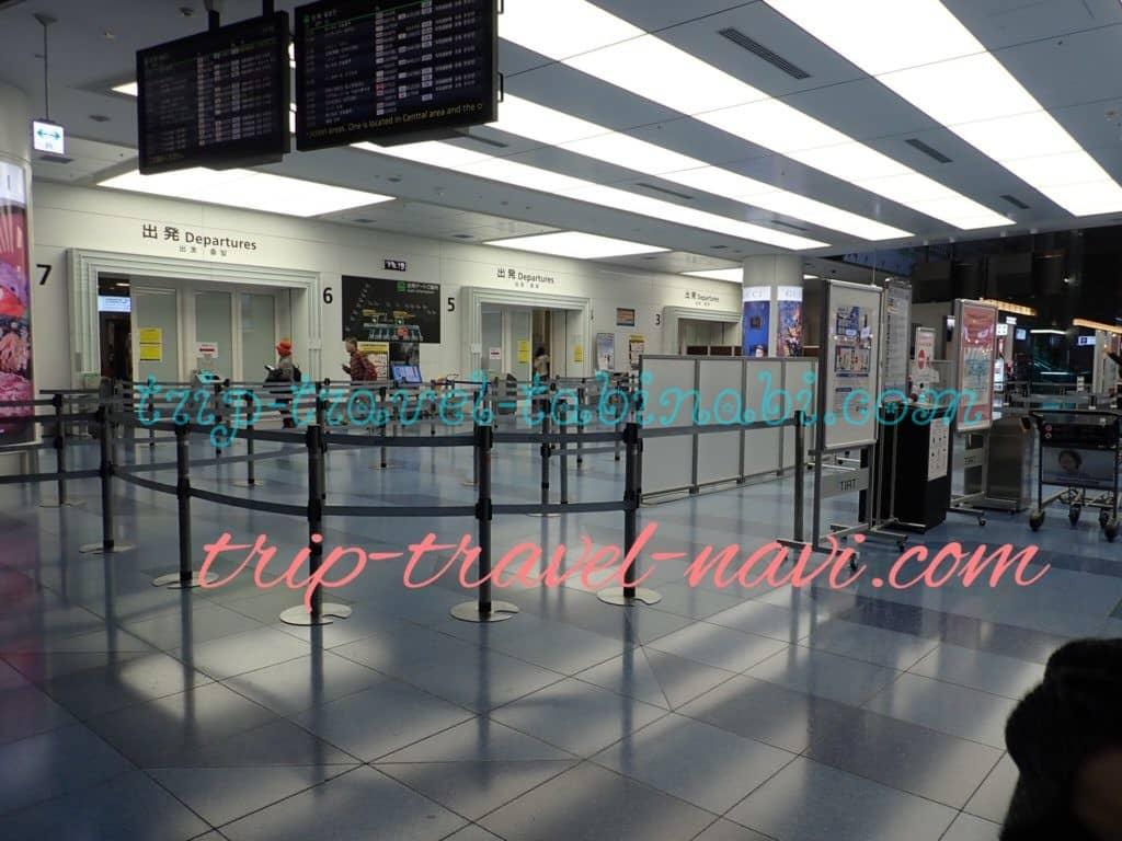 羽田空港 JAL ビジネスクラス 専用 チェックインカウンター