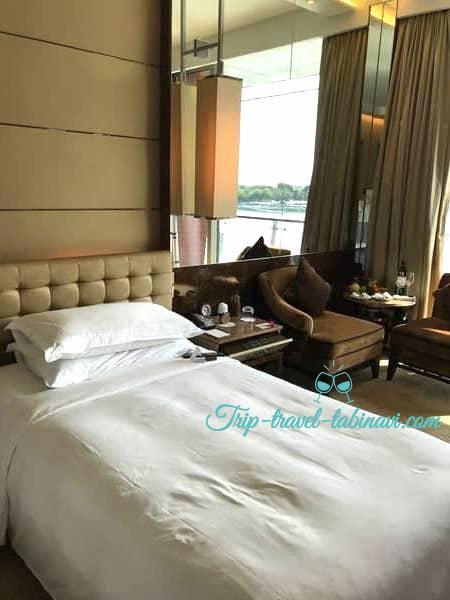 シンガポール フラトンベイホテル ツインベッド