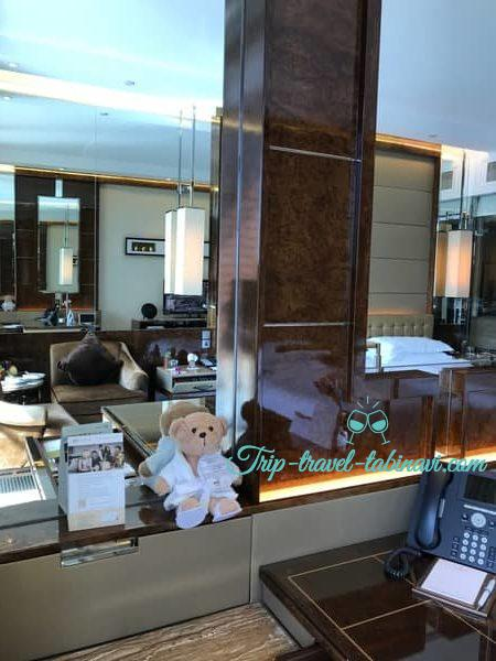 シンガポール フラトンベイホテル 部屋 デスク
