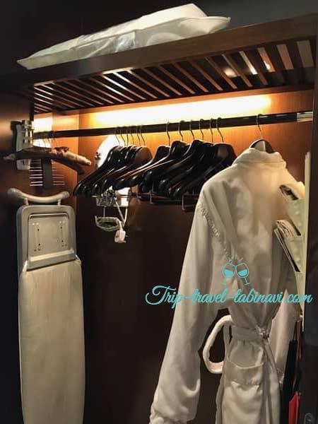 シンガポール フラトンベイホテル 部屋 クローゼット